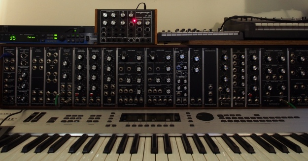 Modular Synth - no patch cords