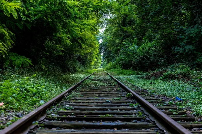 pic-green-railroad